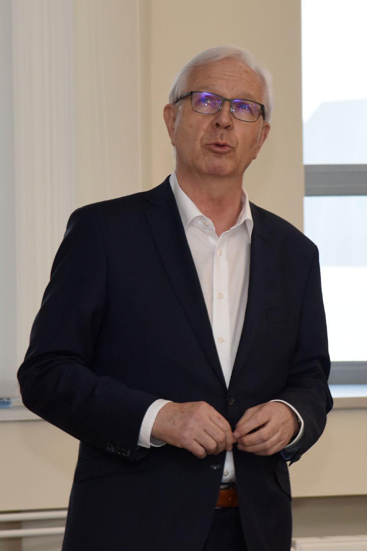 O fraktálech a chaosu v chemickém inženýrství - prof. Ing. Jiří Drahoš, DrSc., dr.h.c. - 16. 3. 2017