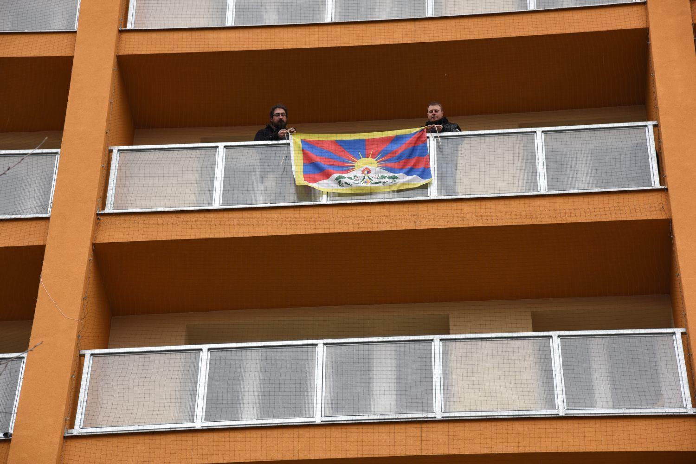 Vyvěšení tibetské vlajky na UPa - 10. 3. 2017